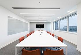 Thiết kế nội thất phòng họp văn phòng HITACHI