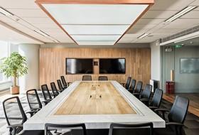 Thiết kế nội thất phòng họp văn phòng Linmon Pictures